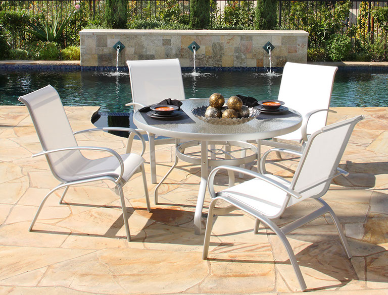 Outdoor furniture alumont patio world for Outdoor furniture quad cities